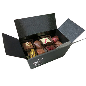 LARGE COFFRET OF ASSORTED PRALINES
